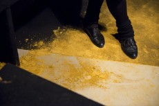 YELLOW COAL – lecture performance in the KURZ / DUST / GHOBAR exhibition Iza Tarasewicz and Post Brothers